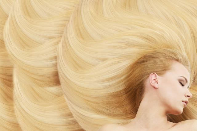 髪の綺麗な女性
